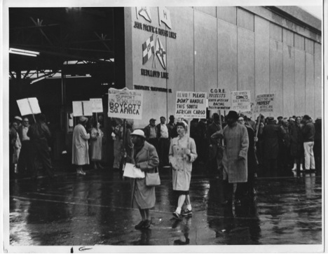 Boycotting South African goods, San Francisco, 1962 (with permission of ILWU)